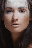 för pulverspray för skönhet naturlig kvinna Arkivfoton