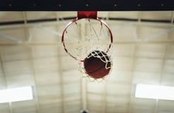 För punktkonkurrens för basket vinnande begrepp Arkivfoton