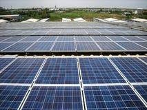 För PV-tak för stor skala sol- system Arkivfoto