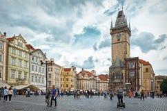 för republiktown för cesky tjeckisk krumlov medeltida gammal sikt Den gamla stadfyrkanten Prague astronomical klockatorn Fotografering för Bildbyråer