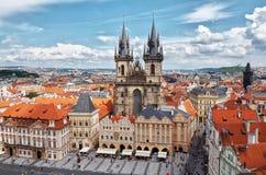 för republiktown för cesky tjeckisk krumlov medeltida gammal sikt För ½nskà för torn Tà ¡ M för chrà för ½ i gammal stadfyrkant i Arkivfoto