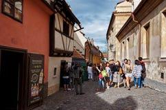 för republiktown för cesky tjeckisk krumlov medeltida gammal sikt för prague för slottEuropa gammal foto vltava för lopp flod Jun Fotografering för Bildbyråer