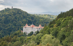 för republiktown för cesky tjeckisk krumlov medeltida gammal sikt karlovy variera Imperialistiskt hotell och torn Diana Fotografering för Bildbyråer
