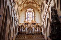 för republiktown för cesky tjeckisk krumlov medeltida gammal sikt Kyrka för ` s för St Barbara av Kutna Hora 14 Juni 2016 Arkivfoto
