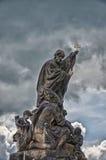 för republiktown för cesky tjeckisk krumlov medeltida gammal sikt Monumentet på Charles Bridge i Prague Juni 13, 2016 Arkivfoto