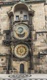 för republiktown för cesky tjeckisk krumlov medeltida gammal sikt Prague astronomical klocka Arkivfoto