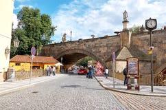 för republiktown för cesky tjeckisk krumlov medeltida gammal sikt Prague Charles mosts 15 Juni 2016 Fotografering för Bildbyråer