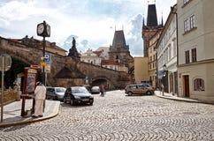 för republiktown för cesky tjeckisk krumlov medeltida gammal sikt Prague Charles mosts 15 Juni 2016 Arkivfoton