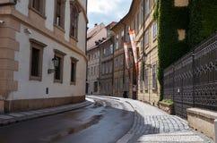 för republiktown för cesky tjeckisk krumlov medeltida gammal sikt prague gata Juni 13, 2016 Arkivfoton