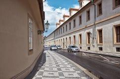 för republiktown för cesky tjeckisk krumlov medeltida gammal sikt prague gata Juni 13, 2016 Arkivbilder