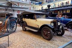 för republiktown för cesky tjeckisk krumlov medeltida gammal sikt Prague Nationellt tekniskt museum tappning för sepia för bilbil Arkivbilder