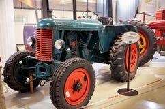för republiktown för cesky tjeckisk krumlov medeltida gammal sikt Prague Nationellt tekniskt museum traktor Juni 11, 2016 Royaltyfria Foton