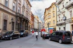 för republiktown för cesky tjeckisk krumlov medeltida gammal sikt Prague prague gator Fotografering för Bildbyråer