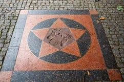 för republiktown för cesky tjeckisk krumlov medeltida gammal sikt Prague Prague zoo Spår av fotschimpanser Juni 12, 2016 Royaltyfria Foton