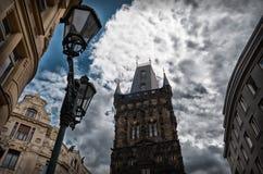 för republiktown för cesky tjeckisk krumlov medeltida gammal sikt pulverprague torn Arkivbilder