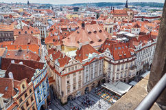 för republiktown för cesky tjeckisk krumlov medeltida gammal sikt Sikt av Prague från en höjd av den astronomiska klockan Arkivbild