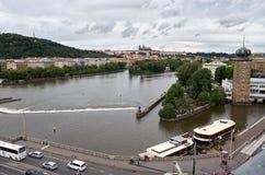för republiktown för cesky tjeckisk krumlov medeltida gammal sikt Sikt av Prague från en höjd 17 juni 2016 Arkivbild