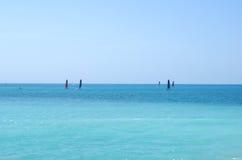 för rockshav för dag solig medelhavs- sommar för sky för seascape Royaltyfria Bilder