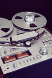 För rullbandspelardäck för parallell stereo öppen Closeup för rulle för registreringsapparat Arkivbilder