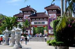 för san för porslin nanshan ya tempel royaltyfria foton