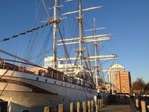 för seglingship för liggande 3d solnedgång Arkivbilder