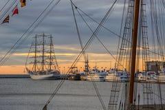 för seglingship för liggande 3d solnedgång Royaltyfri Bild