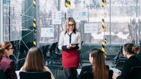 För seminariumpresentation för marknadsföra strategi kommentarer royaltyfria foton