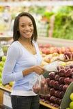 för shoppingkvinna för ny produce barn arkivfoton