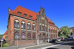 """För Silesia för Polen †""""lägre för Walbrzych †""""historisk stolpe †""""- kontorsbyggnad Arkivbild"""