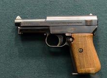 För själv-päfyllning för tysk kompakt för Mauser för ` pistol prövkopia 1934 ` Royaltyfri Bild