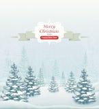 För skogvinter för glad jul och för lyckligt nytt år landskap med snöfall- och granvektorn Arkivfoton