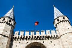 för slottstruktur för ingång historisk medeltida topkapi Arkivfoton