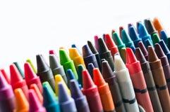För slut uppsättning upp av färgpennor royaltyfri fotografi