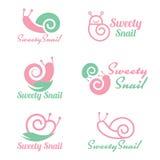 För snigellogo för rosa färger och för gräsplan fastställd design för söt vektor Royaltyfria Bilder