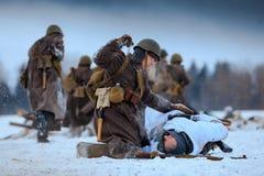 För soldat` för röd armé och Wehrmacht stridighet arkivfoto