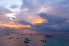 För solnedgång Lembongan ö Arkivbilder