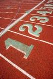 För spårgränd för stadion rinnande teckning för nummer för fält för sportar för markörer royaltyfri fotografi