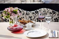 för ställerestaurang för matställe fin tabell för inställning Royaltyfri Foto