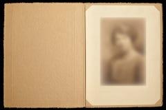 För ståendefoto för tappning paper ram Arkivbild