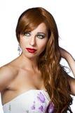 för ståendered för härligt hår trevlig kvinna royaltyfria foton
