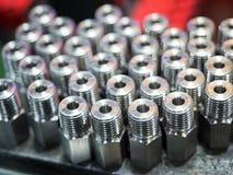 För ståldel för hög precision tillverkning, genom att gjuta och att bearbeta med maskin royaltyfria bilder