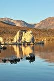 för stalagmitessolnedgång för lake mono tufa Royaltyfri Fotografi