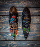 För stam` s för tappning afrikansk maskering Liberia Västafrika Arkivfoton