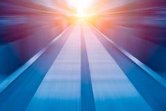 För suddighetszoomen för snabb hastighet affären för ljus för blått utför begrepp Arkivfoto