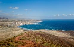 För surfingfläck för El Medano sikt från det röda berget Royaltyfri Foto