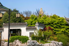 För Suzhou för scenisk fläck för Suzhou Lingshan jätte- Buddha arkitektur trädgård Royaltyfri Fotografi