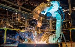 För svetsningstål för industriell robot del Arkivfoto