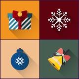 För symbolspacke för nytt år klocka för jul inklusive, boll, snöflinga och gåva Royaltyfri Bild