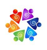 För teamwork för folksymbol swirly logo Arkivfoton