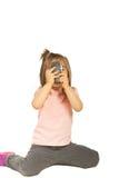 för telefonfoto för flicka mobilt ta Royaltyfria Bilder